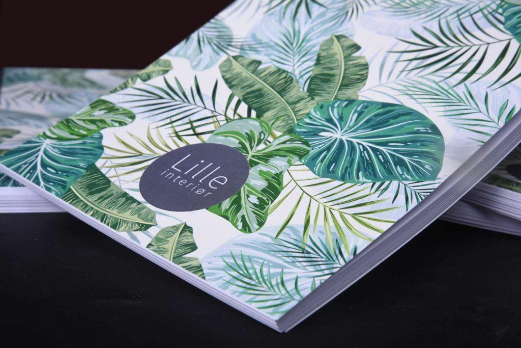 Notatbok med eget design og bedriftens grafiske profil og logo